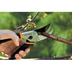 Amazon.com: Fiskars Traditional Bypass Pruning Shears: Patio, Lawn & Garden