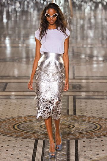 Giles Deacon: Gile Readytowear, Metals Skirts, Silver Skirts, Gile Deacon, 2012 Runway, London Fashion Week, Gile Spring, Spring 2012, 2012 Rtw