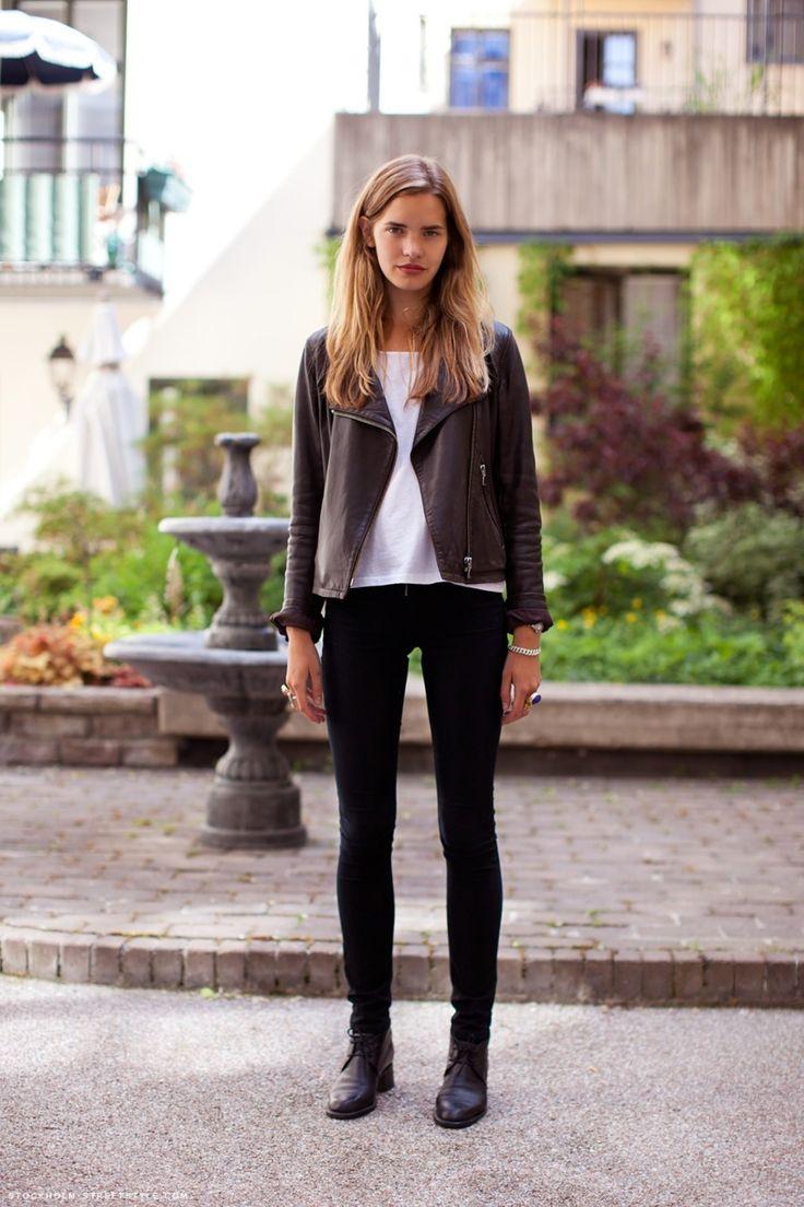 .: Leatherjacket, Black Leather Jackets, Black Skinny, Fall Style, Casual Hair, Street Style, White Pants, Black White, Black Pants