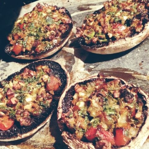 Clean eating stuffed mushrooms for lunch or dinner. -- minus any dairy