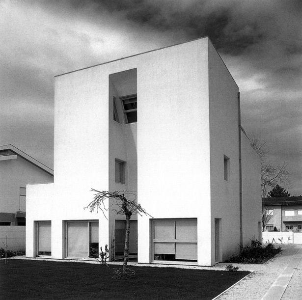 La casa Avelino Duarte es un edificacion donde Alvaro Siza