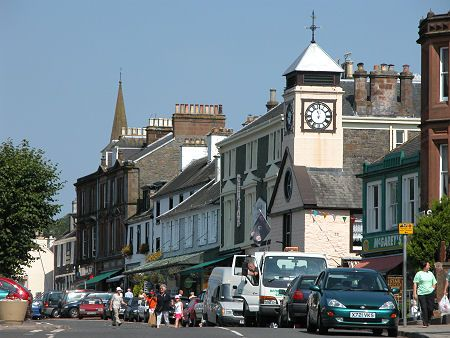 Moffat High Street - some nice little shops here.