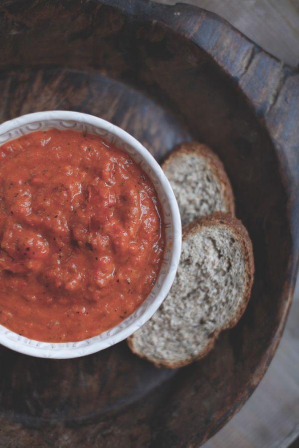 Zuppa di pomodoro all'harissa di @piciecastagne