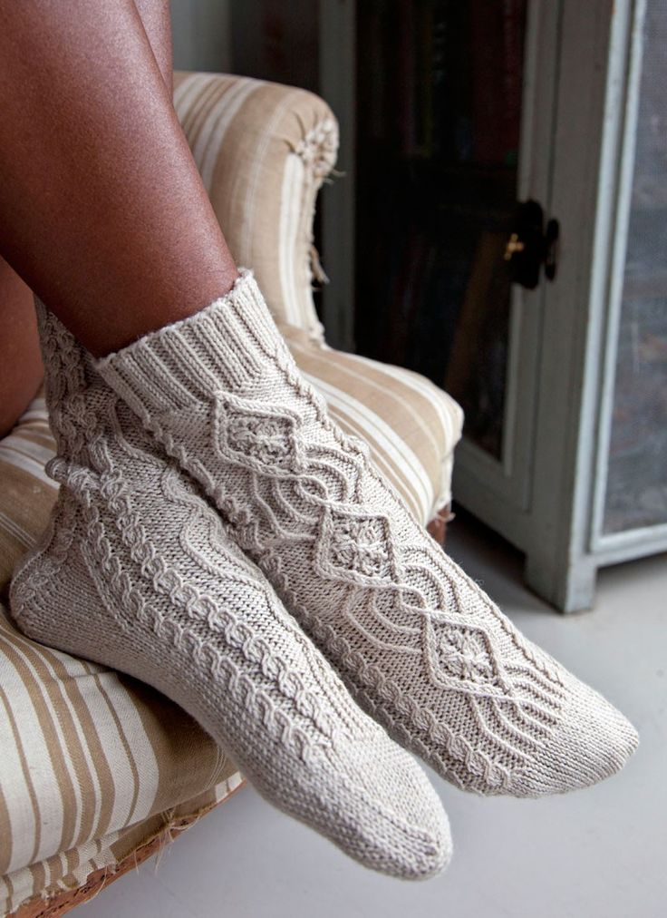 Twisted Stitch Socks | Knitting Fever