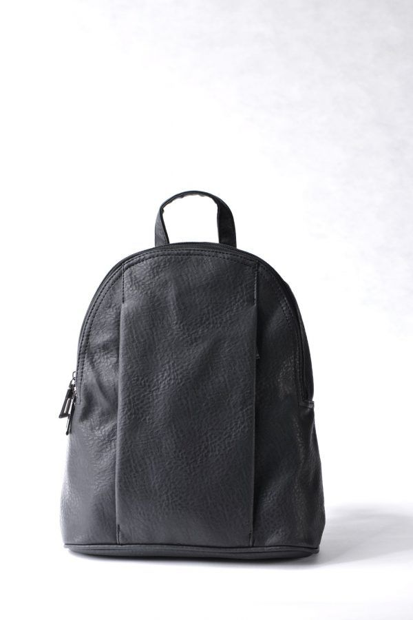 Μαύρο σακίδιο πλάτης με κρυφή μπροστινή τσέπη.  Μοντέρνο σχέδιο για όλες τις ώρες.
