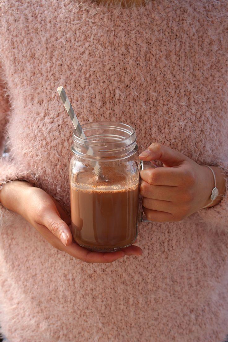 Recette de chocolat chaud vegan, healthy, sans lactose et sans gluten.