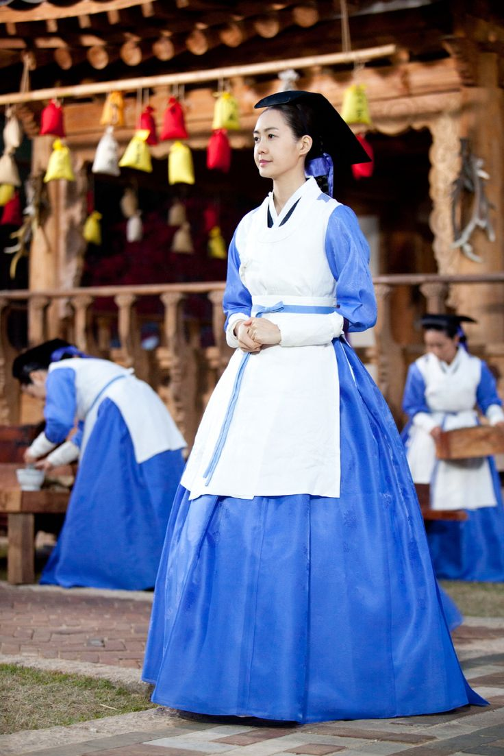 The King's Doctor (Hangul: 마의; hanja: 馬醫; RR: Ma-ui; lit. Horse Doctor) is a 2012 South Korean television series depicting Baek Gwang-hyeon (1625–1697), Joseon Dynasty veterinarian, starring Jo Seung-woo and Lee Yo-won. It aired onMBC.The life of a Joseon-era low-class veterinarian specializing in the treatment of horses, who rises to become the royal physician in charge of the King's health. 강지녕 이요원
