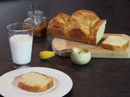 Recette de la brioche de Nanterre, riche en œufs et en beurre mais malgré tout très aérienne....