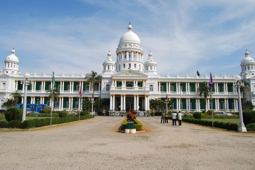 Lalitha Mahal #Mysore : Talking about #Lalitha_mahal in Mysore, it is no of the most beautiful places in south #India that i have visited. Also the second largest one in the district. It is said that this beautiful palace is architecturally similar to London's St. Paul's Cathedral. If you are in Mysore, it is a must visit. #travel #destination