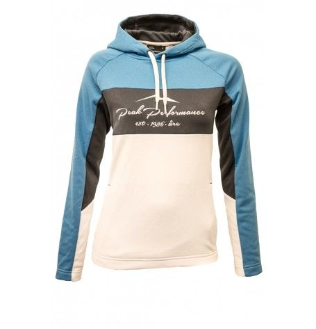 The stylish white/blue Aragatsh from Peak Performance gives you a stretchy, breathable hoodie in soft knitted polyester. Ideal mid layer for outdoors or casual wear. Cozy hand pockets, drawstrings, double folded hood and an embroidered logo mix practicality with a relaxed look for winter warmth and comfort wherever your adventures take you.