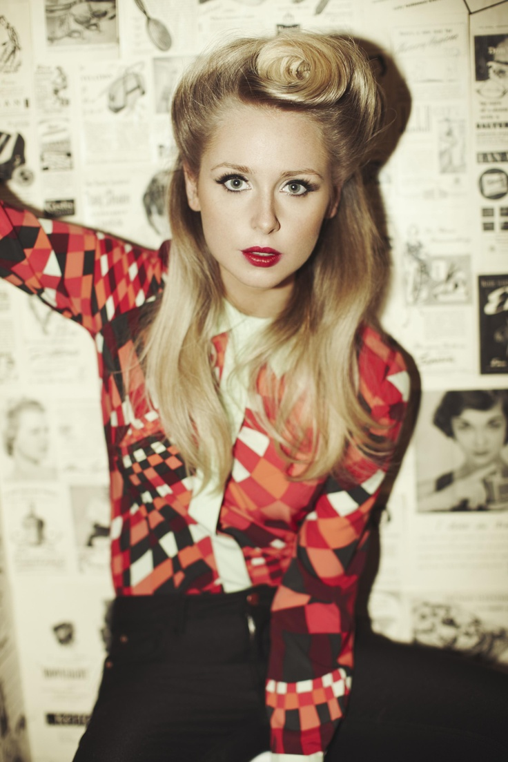 Diana Vickers does 50s inspired styling