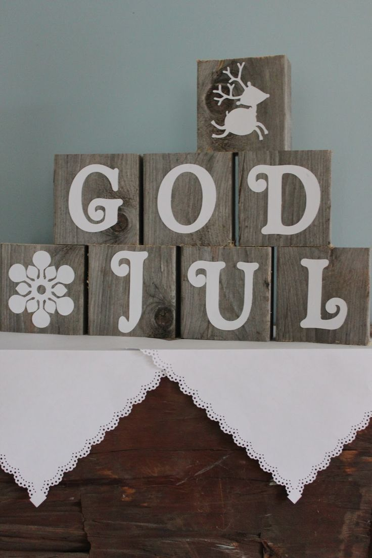 God Jul - Merry Christmas in Norwegian.  I want to make some sort of decoration/sign like this.
