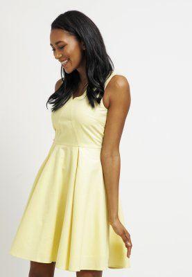 Vêtements mint&berry Robe d'été - pale banana jaune clair: 60,00 € chez Zalando (au 28/02/16). Livraison et retours gratuits et service client gratuit au 0800 740 357.