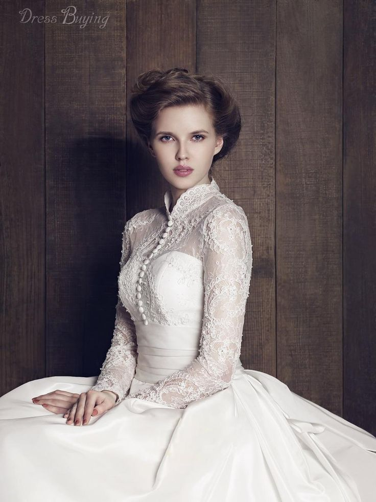 Classical High Neck Long Sleeves Lace A-Line/Plus Size/Vintage Wedding Dress