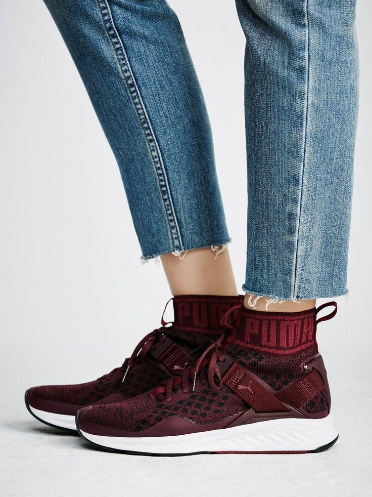 form fitting sneakers Vocaalensembleconfianza.nl