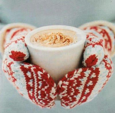 Photo by: Cashmere Fog      Θα χρειαστούμε:   3 φλιτζάνια γάλα  100 ml κρέμα γάλακτος  200 γρ. λευκή σοκολάτα σε κομ...
