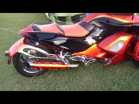 3 WHEEL MOTORCYCLE CAN AM SPYDER