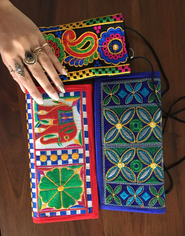 I was scrolling through Pinterestand Inoticed some fabulous bohemian style handbags and clutch bags that I absolutelylove, so I thought I will share it with you guys! I think I can consider myse…