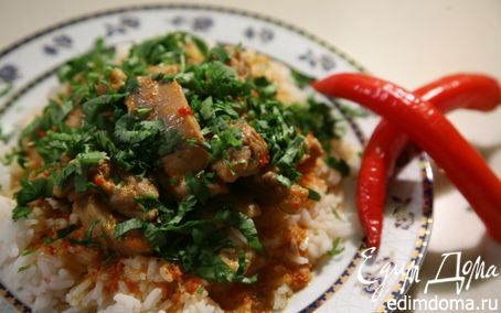 Куриные бедра под красным соусом карри   Кулинарные рецепты от «Едим дома!»