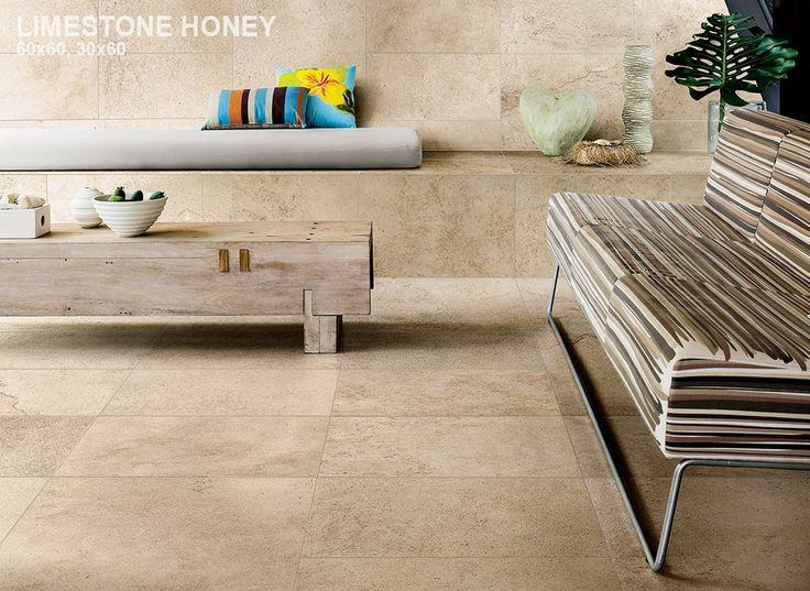 Kalksteen imitatie in 60x60 op de vloer en 30x60 op de wand. Ook verkrijgbaar in o.a. de maten 60x120, 80x80, 45x90 (21-SM-03) Tegelhuys