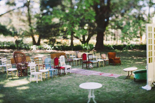 cadeiras cerimônia incompatíveis - uma mistura charmosa
