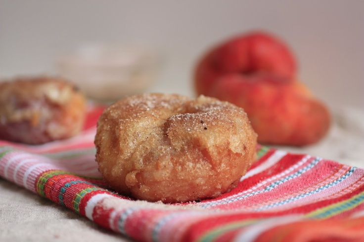 sweet tarte: doughnut peach doughnuts~T~ These are a surprise. You core out doughnut peaches and dip them in a batter and they deep fry for 10 to 15 seconds and sprinkle with cinnamon-sugar. Yum.