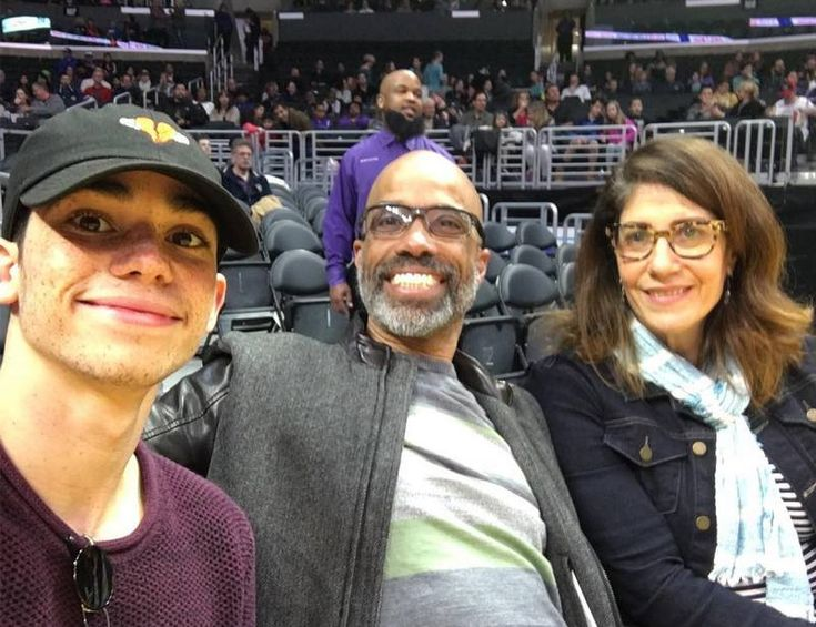 Cameron Boyce's with mother and father