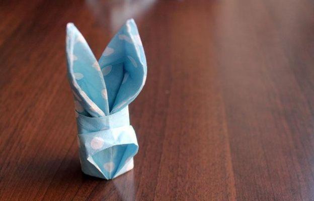 Как да направим зайче от салфетка