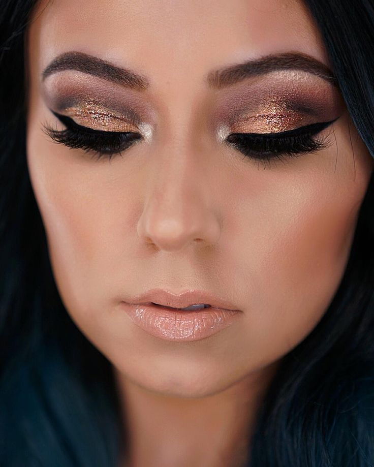 I used shimmer in my crease today...something different  I used @anastasiabeverlyhills shadows in cognac RTW Wine and Noir in crease. Lid is @anastasiabeverlyhills Amber shadow with @litcosmetics glitter in modern love  inner corner and highlight is @tartecosmetics #skintwinkle palette  lips are @gerardcosmetics Supreme lip creme in Angel Cake  @katvondbeauty lock it foundation in light 47  @maskcarabeauty contour cremes in walnut and ash. Highlight creme in Aura  @tartecosmetics park ave…
