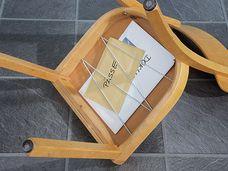Stuhl mit Gepäckfach