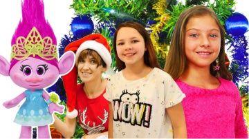 http://video-kid.com/9158-title.html  Видео с игрушками и супер #челлендж для девочек. Лучшие подружки Полен и Настя дарят своим подписчикам подарки