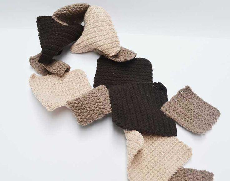 Desiderate avvicinarvi al lavoro ad uncinetto? Volete imparare a realizzare piccoli capi ed oggetti decorativi? E' arrivata la Knitting Accademy di Gomitoli's http://www.gomitolis.it/italian/news_sola.php?idnews=133