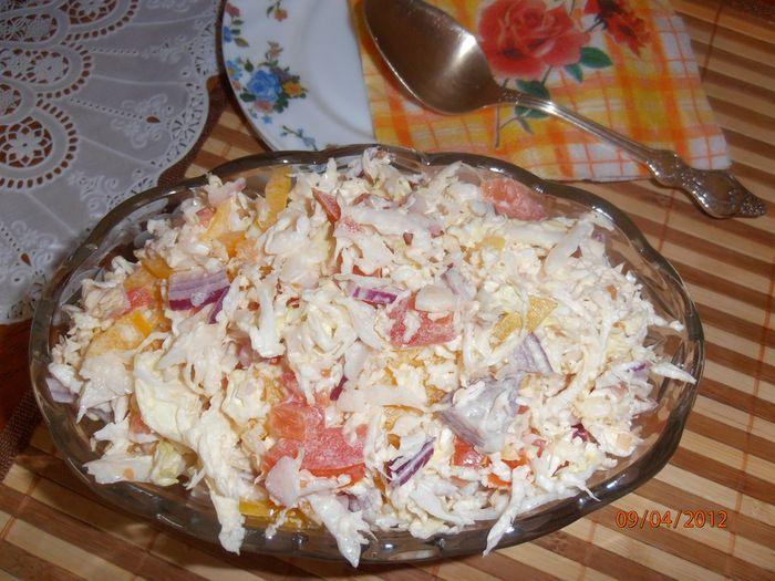 Салат помидор китайская капуста креветки сметана
