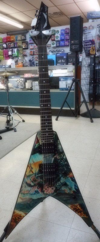 Used DEAN V DAVE MUSTAINE - UNITED ABOMINATIONS