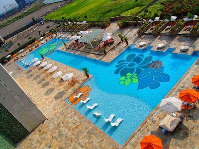 Best Swimming Pool In Metro Manila Solaire Resort Swimmingpool Hotel Manila Resorts In