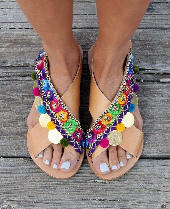 Sandalias de cuero. Griego x-correa de las sandalias planas