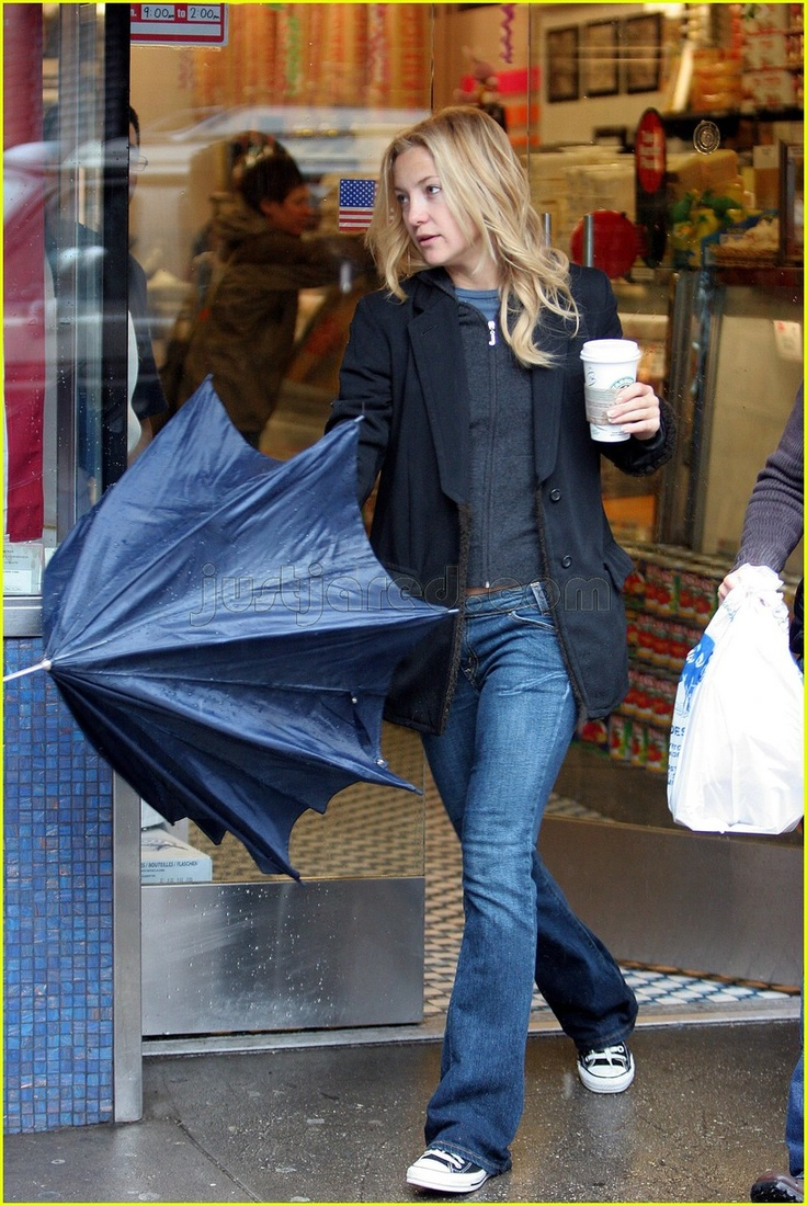 kate hudson. Comfy casual outfit!                                                                                                                                                      More