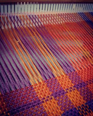 El #invierno se adelantó y el frío se siente de verdad. Por eso en #Biguá los telares no paran de funcionar. #Tejer #Telar