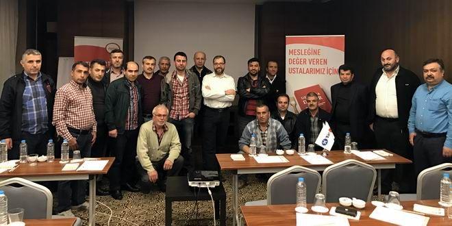 DYO'nun 'Yarınlar İçin Değer' Projesi Altındaki 'Ustalığa Değer' İstanbul'da hız kesmeden yoluna devam ediyor. Boya sektörünün lider markası DYO, geçen yıl başlattığı kurumsal sosyal sorumluluk projesi 'Yarınlar İçin Değer' çatısı altındaki 'Ustalığa Değer' kaldığı yerden devam ediyor. Sürdürülebilirlik ilkeleri gözetilerek tasarlanan ve üç gruba ayrılan projenin ustaların eğitimine odaklanan 'Ustalığa Değer' eğitimlerinin dördüncü durağı İstanbul'daydı. ...