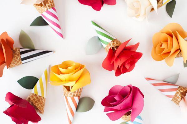 flower cones: Paper Rose, Paper Cones, Idea, Flowers Bouquets, Paper Flowers, Flowers Cones, Free Printable, Icecream, Ice Cream Cones