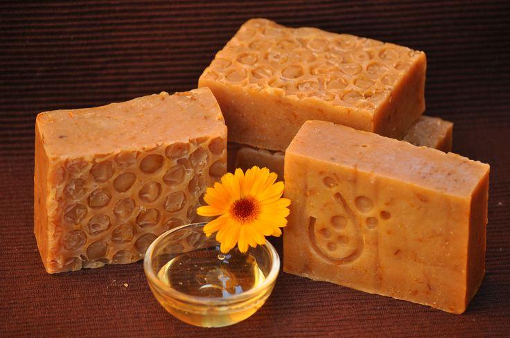 Mézes-körömvirágos szappan - Honey-calendula soap