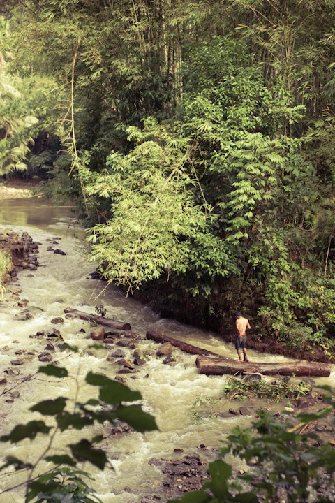 baduy at the river