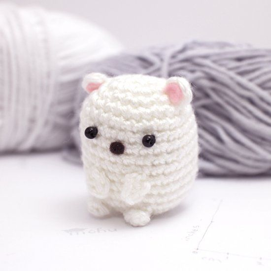 Make your own little amigurumi bear with this free crochet pattern.