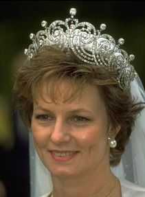 Crown Princess Margarita of Romania,who borrowed the tiara from Cartier for her wedding in 1996.