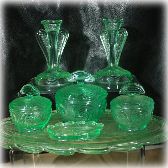 Mint condition 1939 English Art Deco Dressing Table Set made by Bagley Glass. English elegance.    Item: Dressing Table Set  Material: Glass