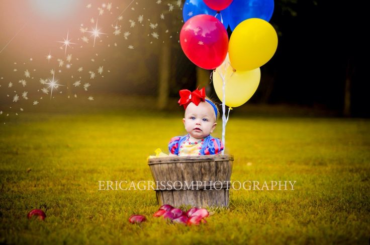 Snow White. First birthday. Photo shoot. Baby girl birthday ideas. First birthday ideas. Disney theme.