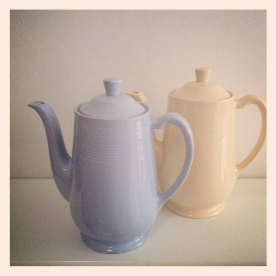 Vintage Wood's Woods Ware Utility Coffee Pot in Iris. 20cm tall No chips or damage or crazing or cracks. Beautiful condition. This listing is for the