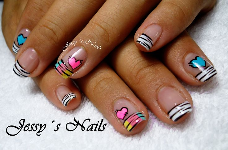 uñas con corazones tipo zebra #nail #art #desing