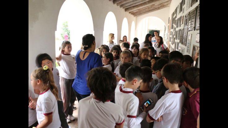 Álbum de fotos de la visita de los alumnos de 4° grado a San Lorenzo. Campo de batalla y Convento.