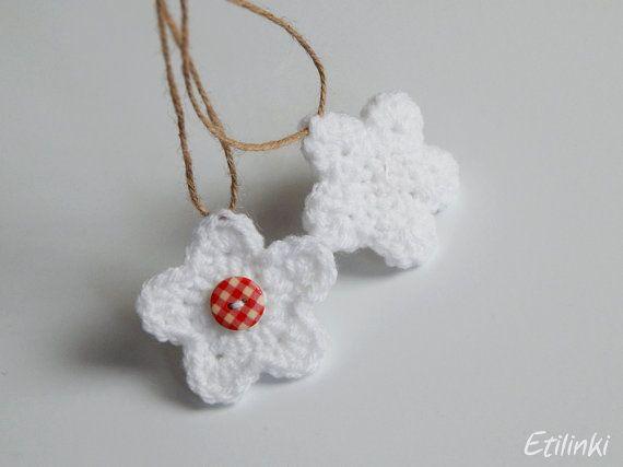 Gehaakte bloem van de winter. Rustieke ornamenten. door Etilinki